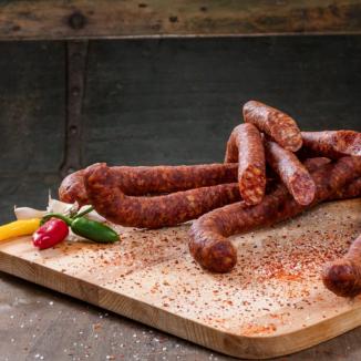 Cârnaţi Ardeleneşti Picanti, din carne adevărată, cu condimente naturale 250g