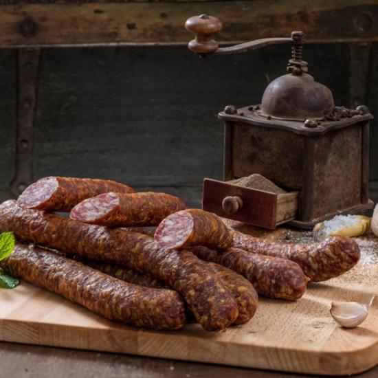 Cârnaţi Ardeleneşti cu Piper, din carne adevărată, cu condimente naturale 250g